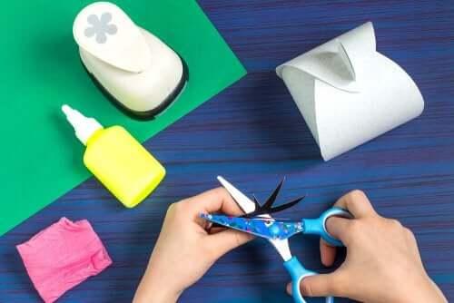 Deux activités manuelles pour enfants avec des photos