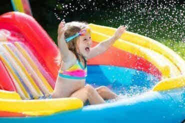 6 jeux d'eau pour s'amuser avec les enfants