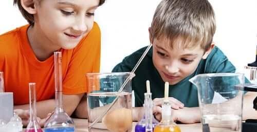 des jeux pour expérimenter les sciences