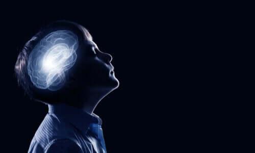 L'élagage synaptique chez les enfants et adolescents