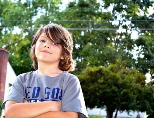 enfant avec une confiance en soi positive