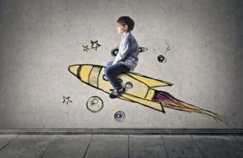 Un enfant sur une fusée