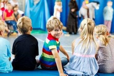 Pourquoi est-il bon d'emmener les enfants au théâtre ?