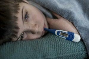 Les enfants grandissent-ils quand ils ont de la fièvre?