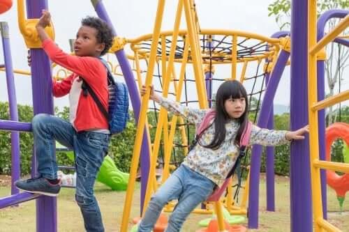 jeux pour escalader et s'amuser au parc