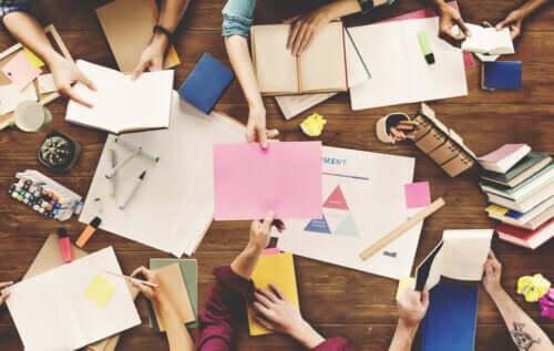 Le travail de groupe et l'apprentissage coopératif
