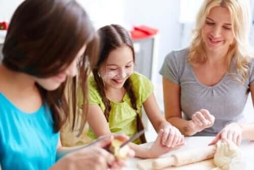 Cuisiner avec les adolescents pour renforcer les liens