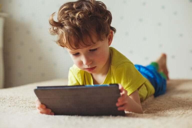 Comment les gadgets nuisent à vos enfants