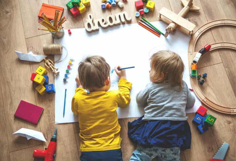 Comment créer un espace d'apprentissage pour votre enfant pendant le confinement