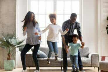 Enfants, énergie et plaisir : exercices et danses pour le confinement