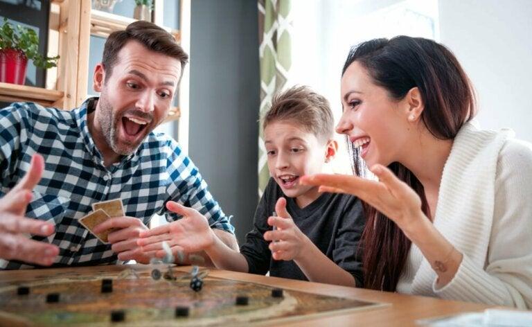 6 jeux de société pour jouer en famille en ces temps de COVID-19