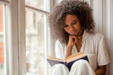 Pourquoi est-il si important de lire pendant le confinement ?