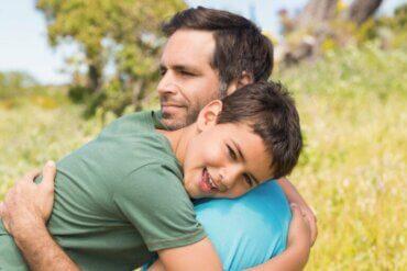12 phrases qui encouragent les comportements positifs chez les enfants
