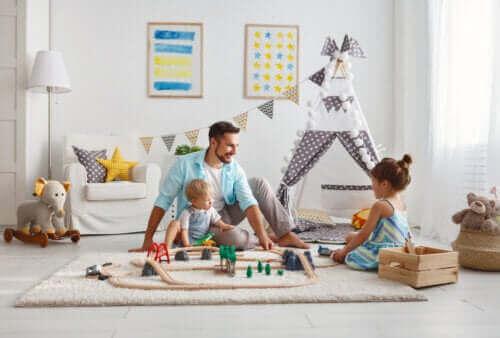 Un père jouant avec ses enfants pendant le confinement