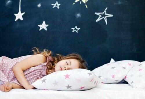 Le développement global de l'enfant et le lien au sommeil