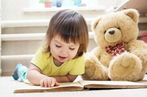 Les bénéfices émotionnels des peluches sur les enfants