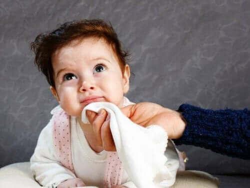 bébé venant de vomir