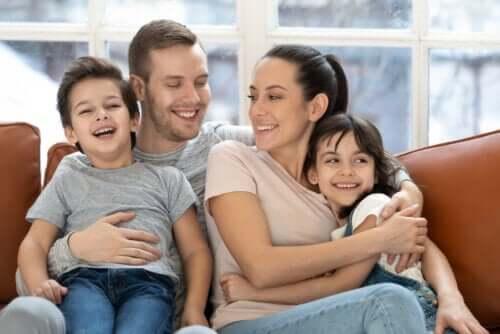 Vous pouvez améliorer votre relation avec vos enfants pendant le confinement en passant du temps de qualité en famille