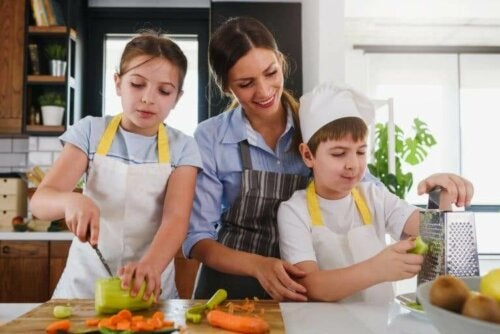 Les compétences qu'acquiert votre enfant en cuisinant en famille