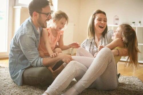 Les attentes sociales influencent l'éducation des enfants