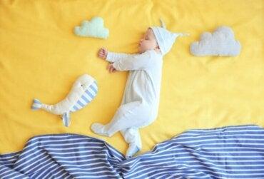 Du berceau au lit : comment faciliter le processus ?