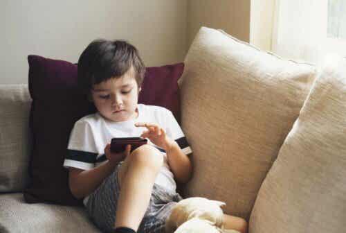Comment sécuriser votre téléphone pour les enfants ?