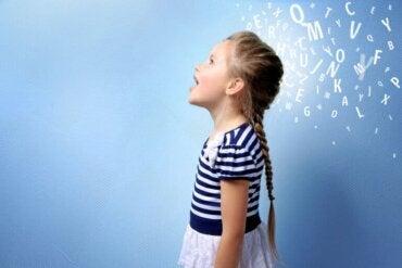 17 lignes directrices pour stimuler le langage chez les enfants