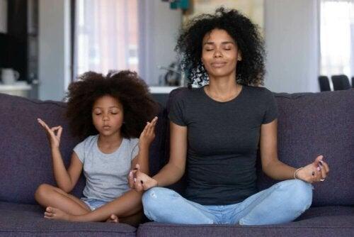Activités de pleine conscience et de méditation en famille