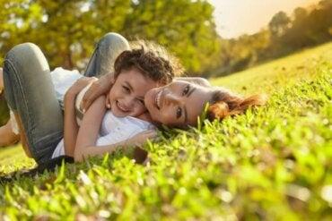 15 phrases sur la belle expérience d'être mère