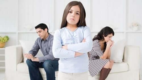 L'importance de communiquer avec son enfant pendant le divorce.
