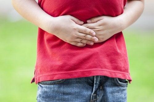 Les maux d'estomac chez un enfant.