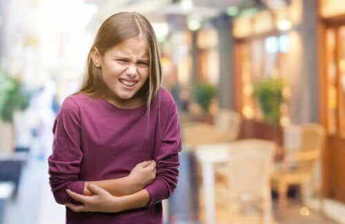 Mon enfant a mal au ventre, comment faire pour le soulager ?
