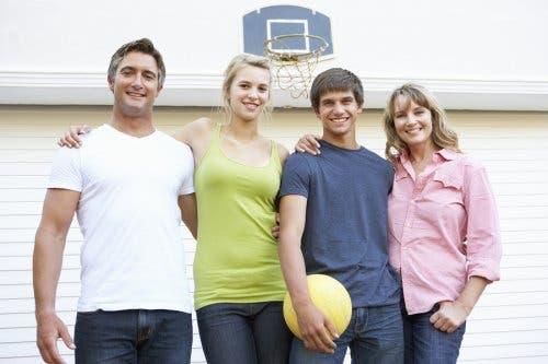 Faire du sport en famille.