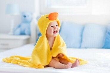 Étapes de l'évolution du bébé au cours de sa première année de vie