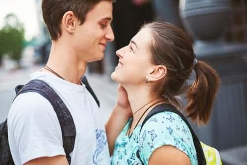 Parler à un adolescent des comportements sexuels à risque