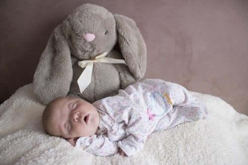 Comment est le sommeil du bébé au cours des trois premiers mois