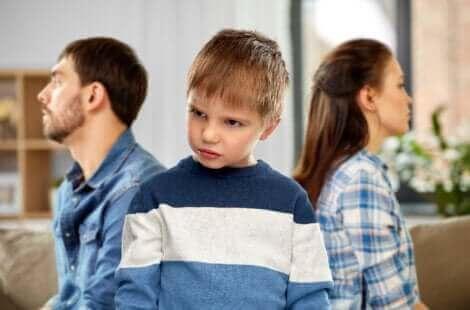 Un enfant fâché.