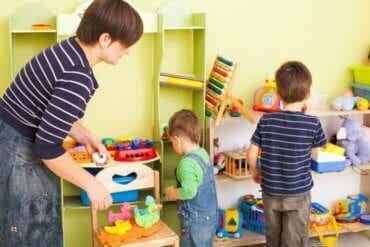 8 idées pour apprendre aux enfants à être ordonnés