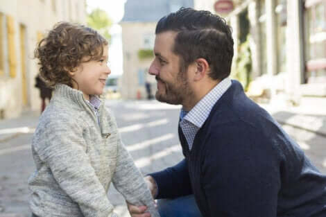 La communication entre un père et son fils.