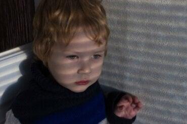 Mon enfant a peur des pétards, que dois-je faire ?