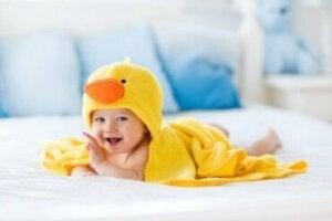 Des accessoires de bain pour bébé qui vous faciliteront la vie