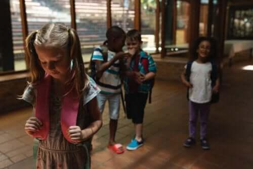 Les surnoms chez les enfants peuvent se transformer en harcèlement scolaire