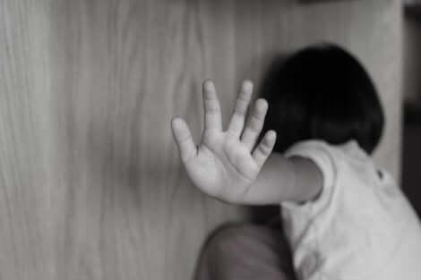 Une victime d'abus sexuel infantile.
