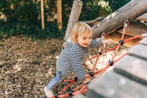 Un enfant au parc.