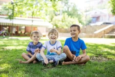 Des enfants heureux.