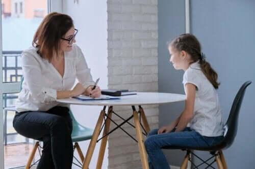 Apprenez à votre enfant à normaliser l'assistance psychologique