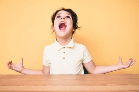 Pourquoi les enfants sont-ils agressifs ?