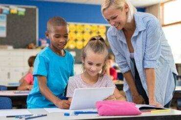 En quoi consiste l'apprentissage par l'enquête ?