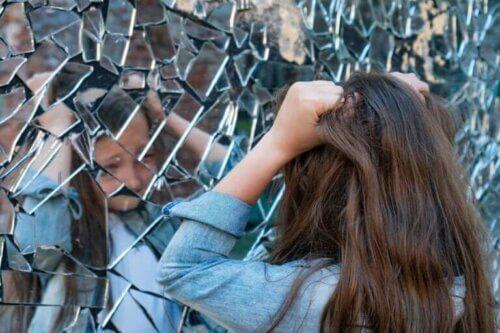 La schizophrénie infantile : symptômes, causes et traitement