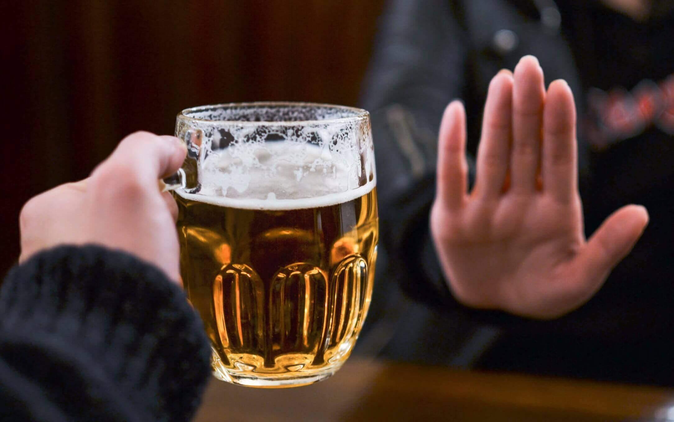 Dire non à une bière.